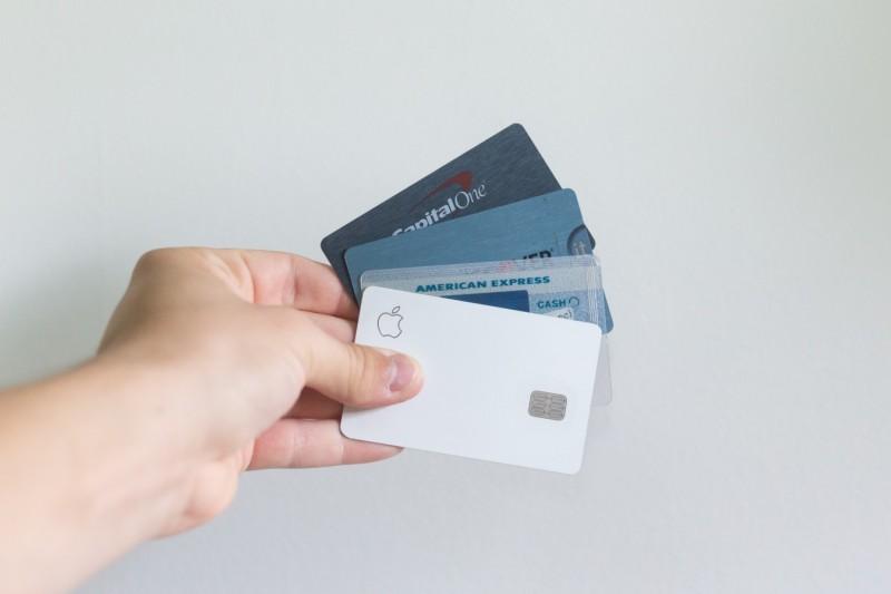 Es necesario reducir las comisiones por el uso de tarjetas de crédito al pequeño comercio